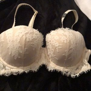 Nwt victoria's secret dream angels 34DD lace